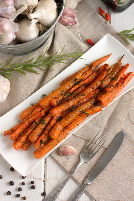 Slow Roasted Carrots | stayforabite.com