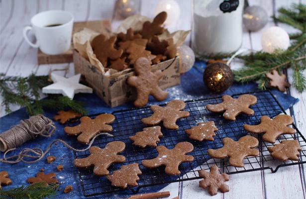 Gingerbread Cookies Gluten Free | stayforabite.com