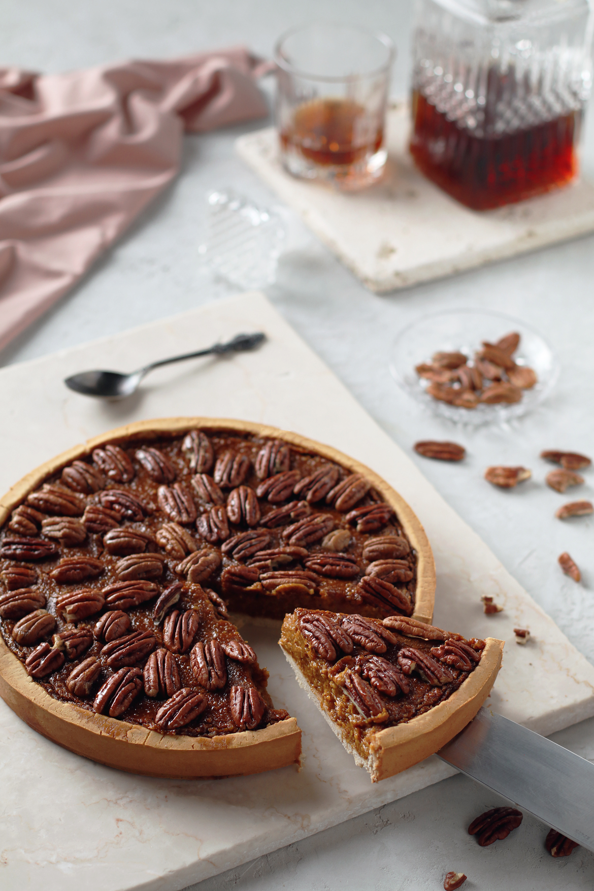 GLUTEN FREE PUMPKIN PECAN PIE WITH WHISKEY  | stayforabite.com
